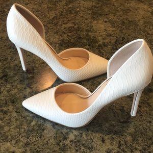 Jessica Simpson Shoes - White Jessica Simpson pointy toe heel